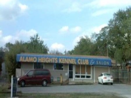Image of Alamo Heights Kennel Club & Salon which provides dog boarding in or near San Antonio, TX